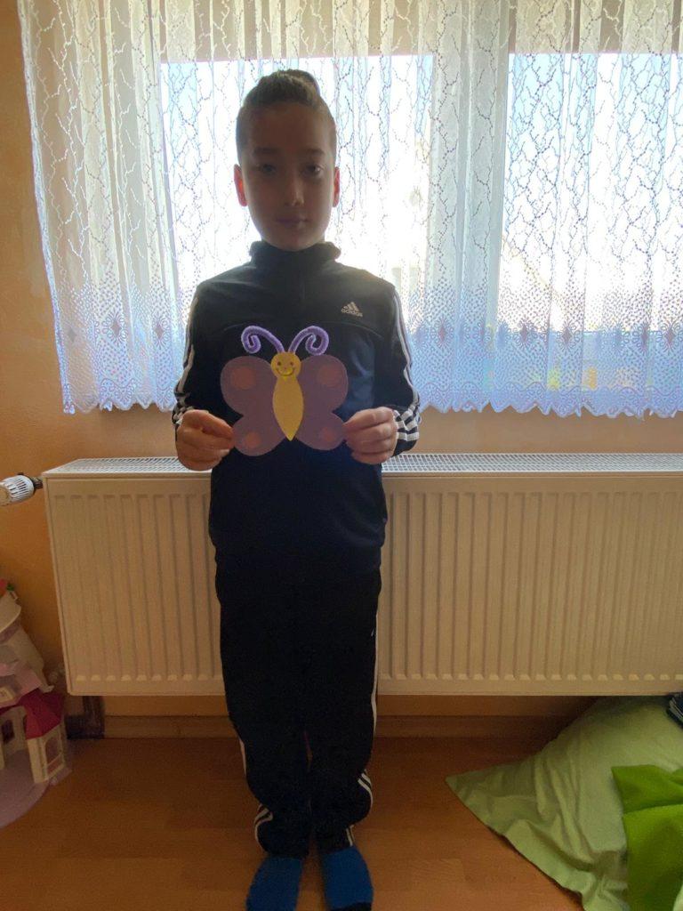 <strong>Auch Emir hat einen schönen Schmetterling gebastelt. Toll!</strong>